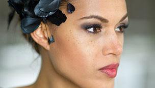 Maskenbildnerin / Hair- und Make Up Stylistin